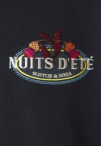 Scotch & Soda - FELPA LOGO CREWNECK - Collegepaita - night - 2