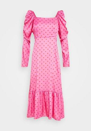 PILCRAS DRESS - Sukienka letnia - pink
