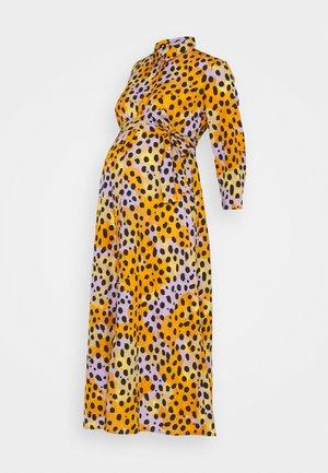 PCMROSIA - Košilové šaty - apricot