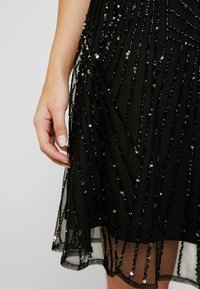 Lace & Beads Petite - RALEIGH SKATER - Cocktailjurk - black - 6