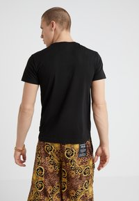 Versace Jeans Couture - MAGLIETTE UOMO - Basic T-shirt - nero - 2