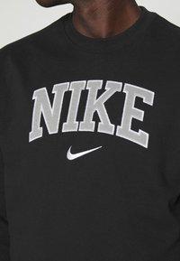 Nike Sportswear - RETRO CREW - Sweatshirt - black - 5