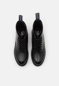 KARL LAGERFELD - TROUPE BRUSH LOGO BOOT HI - Lace-up ankle boots - black - 4