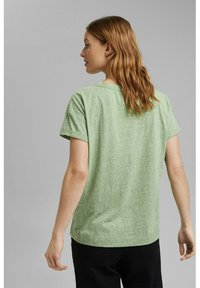 Esprit - PER COO CLOUDY - Basic T-shirt - leaf green - 3