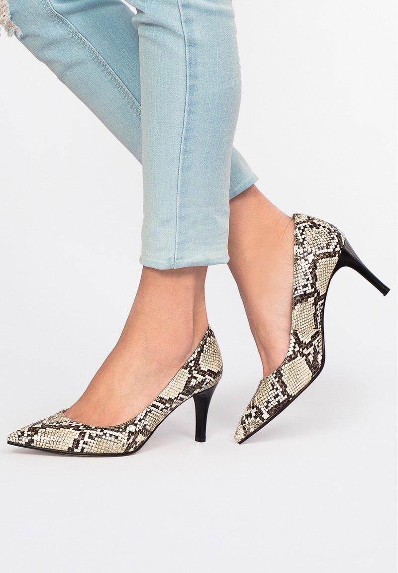Eva Lopez - SALÓN PIEL SERPIENTE - Classic heels - serpiente