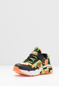 Skechers - MEGA-CRAFT - Tenisky - black/orange/lime - 2