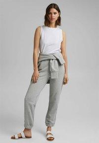 Esprit - Tracksuit bottoms - light grey - 1