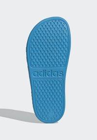 adidas Performance - ADILETTE AQUA SWIM - Pool slides - blue - 4