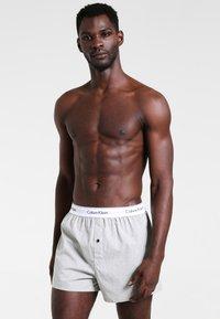 Calvin Klein Underwear - SLIM FIT 2 PACK - Boxer shorts - black/grey - 1