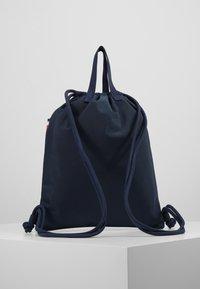 Tommy Hilfiger - KIDS CORP DRAWSTRING BACKPACK - Sportovní taška - blue - 3