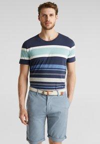 Esprit - MIT GÜRTEL - Shorts - grey blue - 8