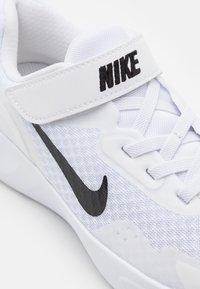 Nike Sportswear - WEARALLDAY UNISEX - Baskets basses - white/black - 5