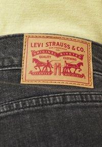 Levi's® Plus - PL HIGH WAISTED MOM JEAN - Straight leg -farkut - bomb dot com plus - 4