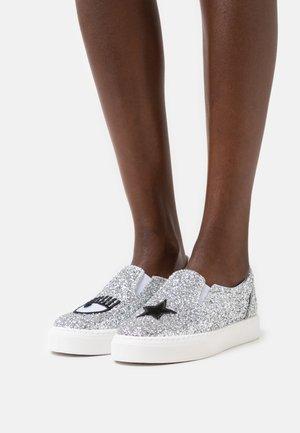 Slippers - silver glitter