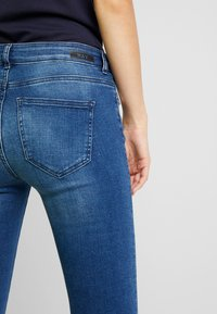 Noisy May - Flared Jeans - medium blue denim - 5