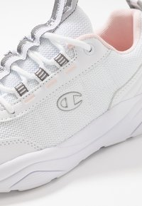 Champion - SHOE MENDEZ - Neutral running shoes - white - 5