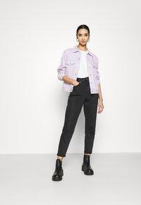 Levi's® - EX BOYFRIEND TRUCKER - Denim jacket - chalky lavender - 1
