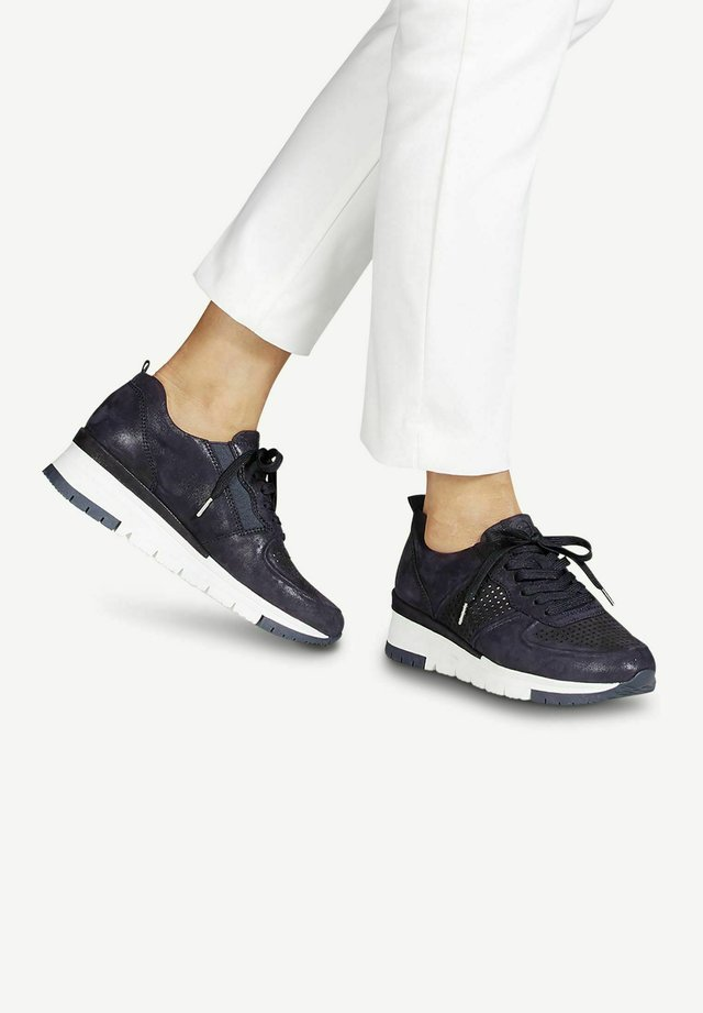 LACE-UP - Sneakers laag - navy pea/punch