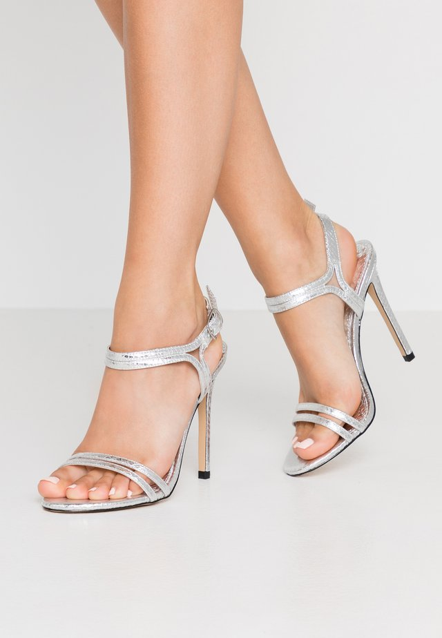 HOTCAKE WIDE FIT - High heeled sandals - silver