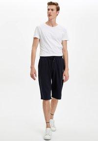DeFacto - Shorts - navy - 1