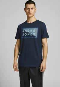 Jack & Jones - 3 PACK - T-shirt print - navy blazer - 2