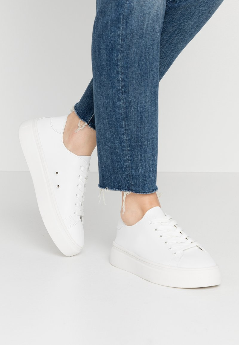 Colors of California - Trainers - white