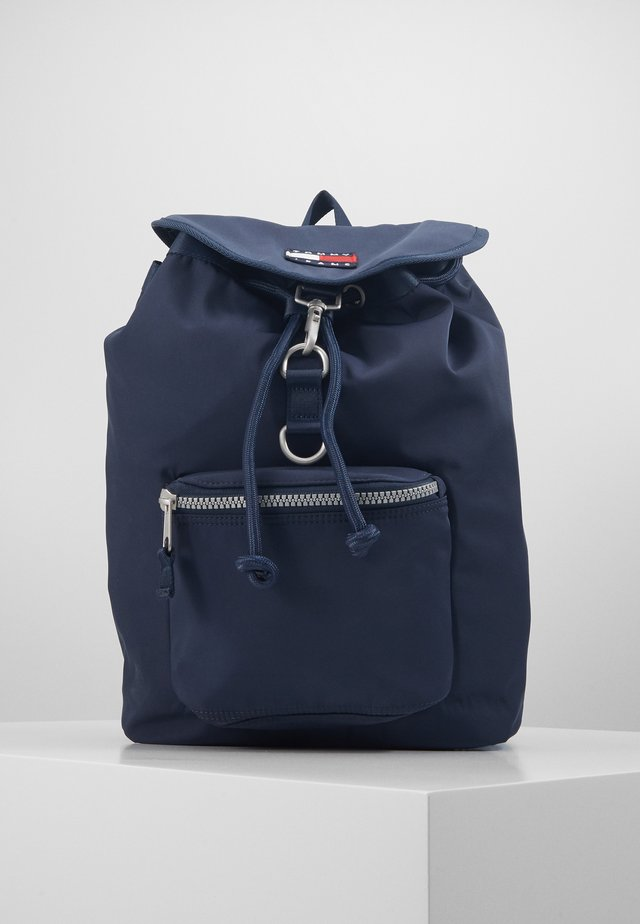 HERITAGE FLAP BACKPACK - Mochila - blue
