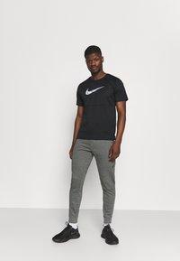 4F - Men's sweatpants - Pantalon de survêtement - grey - 1