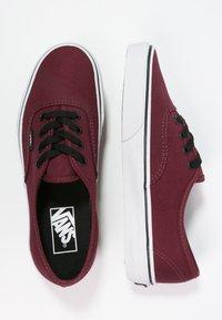 Vans - AUTHENTIC - Skate shoes - port royale/black - 1