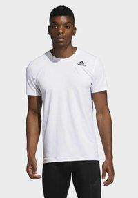 adidas Performance - TECHFIT COMPRESSION T-SHIRT - T-shirt - bas - white - 0