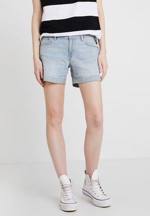 CYNTHIA CUFF - Denim shorts - light indigo