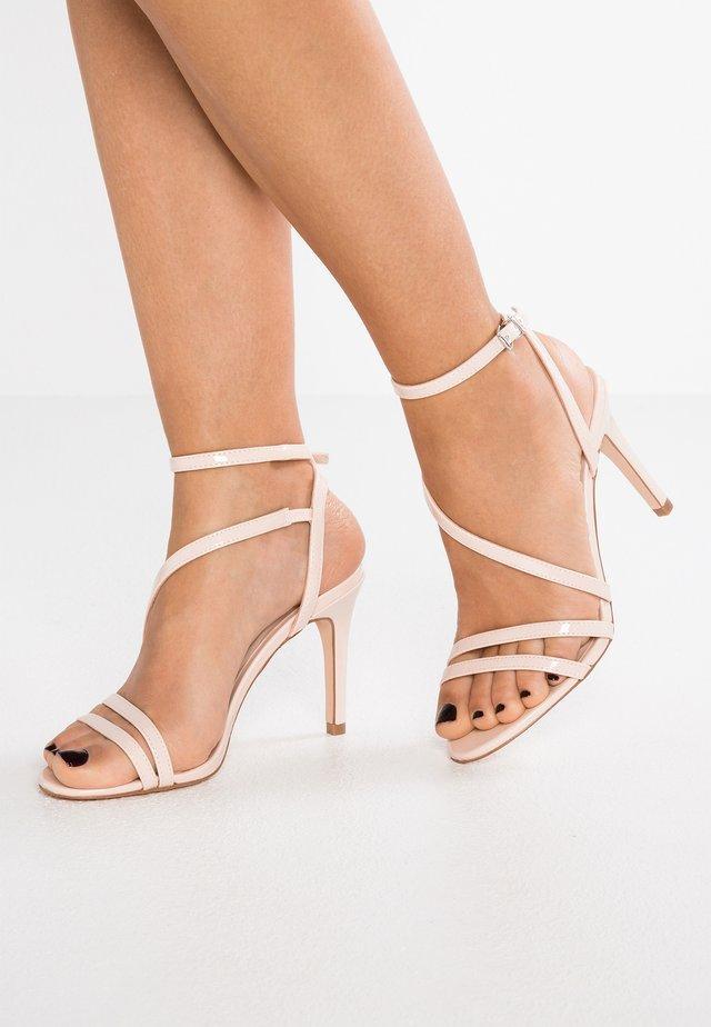 DELLY - Sandály na vysokém podpatku - nude