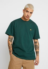 Carhartt WIP - CHASE  - Basic T-shirt - treehouse/gold - 0
