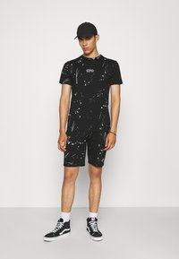 274 - WASHED TEE AND SHORT SET - Tracksuit bottoms - black - 1