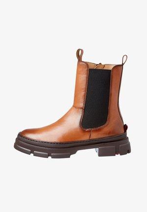 MIT BLOCKABSATZ - Classic ankle boots - braun