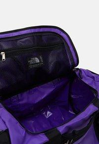 The North Face - BASE CAMP DUFFEL - XS - Sports bag - peakpurple/black - 5
