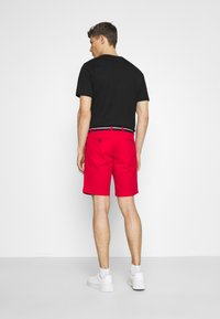 Tommy Hilfiger - BROOKLYN LIGHT - Shorts - primary red - 2
