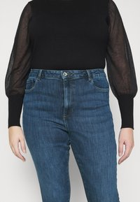 Vero Moda Curve - VMLOA RAW - Jeans Skinny Fit - medium blue denim - 4