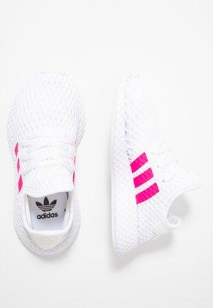 DEERUPT RUNNER - Tenisky - footwear white/shock pink/core black