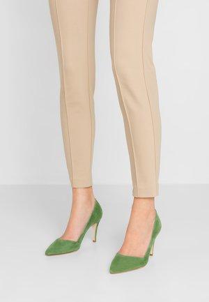High heels - trifoglio