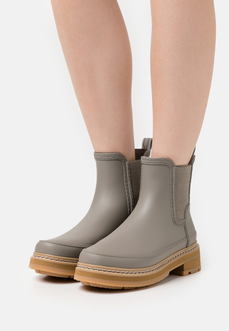 Hunter ORIGINAL - WOMENS REFINED STITCH DETAIL CHELSEA BOOTS - Wellies - grey heron