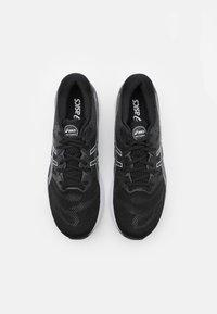 ASICS - GEL-NIMBUS 23 - Neutral running shoes - black/white - 3