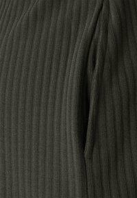 ONLY - ONLNELLA POCKET - Shorts - kalamata - 5