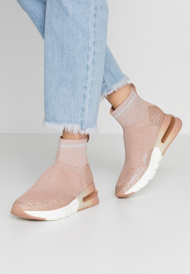 High-top trainers - glitter dune