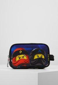 Lego Bags - TOILETRY BAG - Handbag - Urban Red/Black - 0