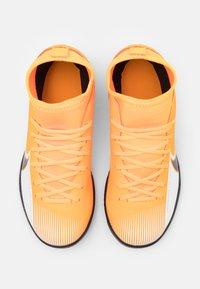 Nike Performance - MERCURIAL 7 CLUB IC - Halové fotbalové kopačky - laser orange/black/white - 3