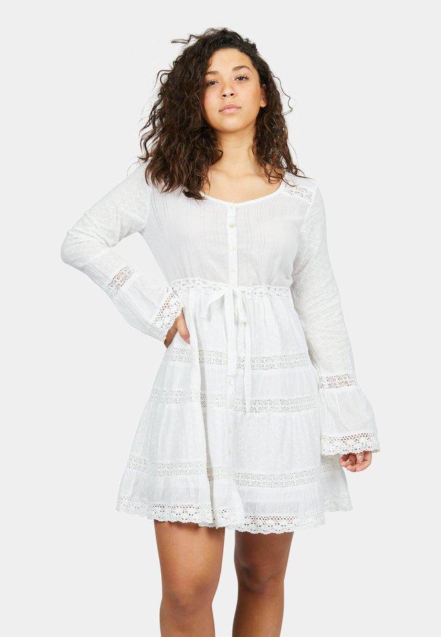 SUN - Korte jurk - white