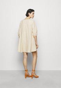Bruuns Bazaar - SEER ALLURE DRESS - Day dress - sand/white check - 2