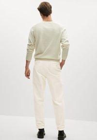 Mango - AUS CORD - Trousers - ecru - 2