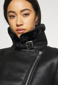 Missguided - AVIATOR - Faux leather jacket - black - 4